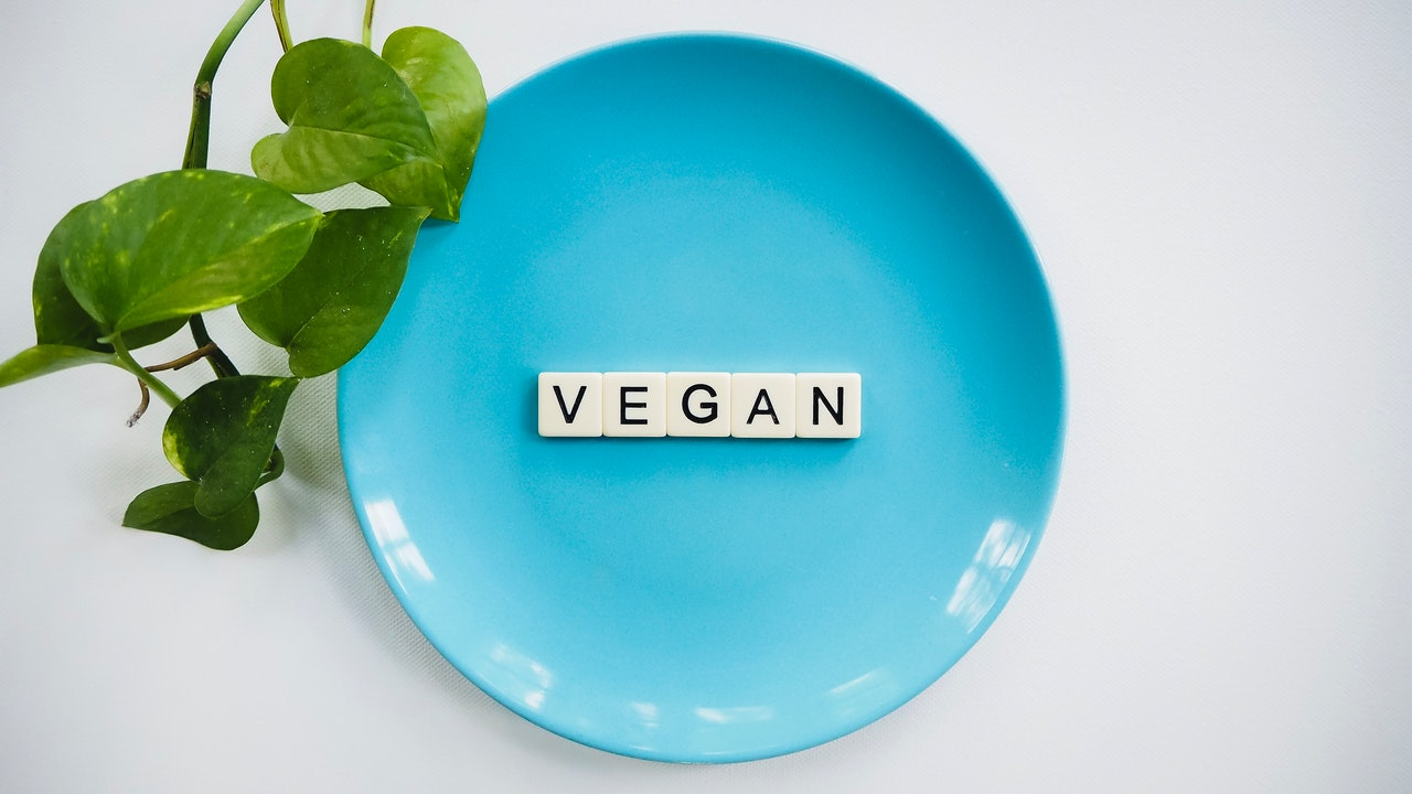 Počet veganů ve světě stále roste, k omezení konzumace masa nabádají i celebrity.