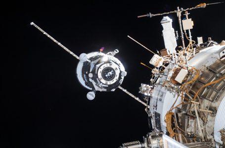 Je kosmické smetí hrozba pro astronauty?